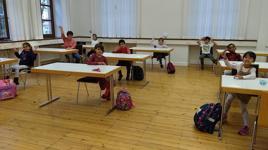 Kinder und Lehrerin hatten eindeutig Spaß beim Lernen. (Foto: Stadtverwaltung Neustadt)