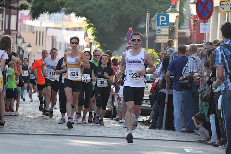 Bild vom Ettlinger Altstadtlauf 2012 (Foto: Hannes Blank)