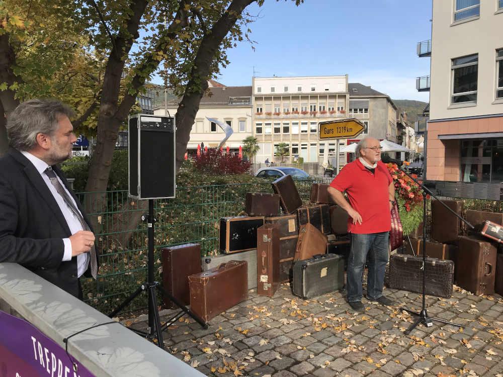Ingo Röthlingshöfer, Bürgermeister der Stadt Neustadt an der Weinstraße und Eberhard Dittus, Vorstandsvorsitzender des Fördervereins Gedenkstätte für NS-Opfer e.V. (Foto: Stadtverwaltung Neustadt)