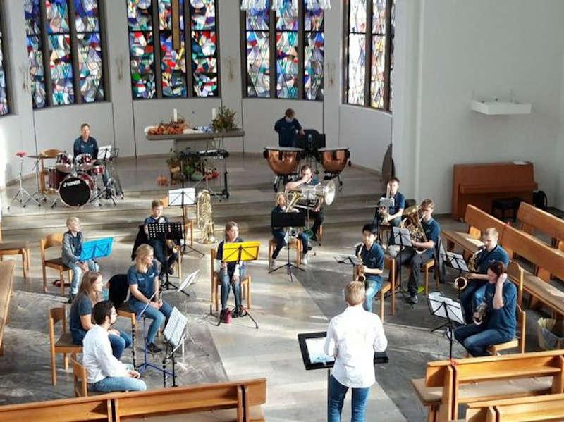 Auftritt des Jugendorchesters in der Pauluskirche (Foto: Kolpingskapelle Hambach)