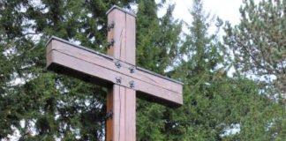 Zentrale Gedenkfeiern wird es in diesem Jahr am Volkstrauertag nicht geben. OB Hirsch legt aber als offiziellen Akt am Hochkreuz auf dem Hauptfriedhof einen Kranz nieder. (Quelle: Stadt Landau)