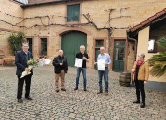 v.l.: Ortsbürgermeister Karl Schäfer, Beigeordneter Klaus Humm, Uwe Ziegler, Harald Ziegler, Maria Bergold (Büro für Tourismus). (Foto: BfT Maikammer)
