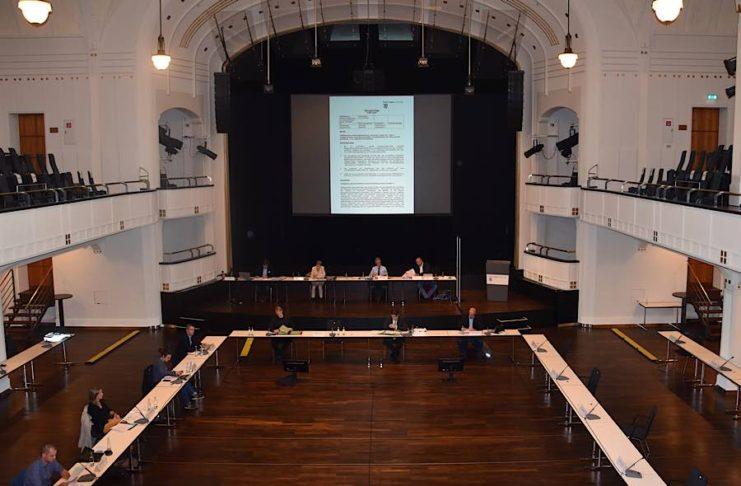 Der Hauptausschuss der Stadt Landau, hier im Sommer 2020, wurde vorübergehend mit Ratszuständigkeiten ausgestattet. (Quelle: Stadt Landau)