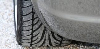 Symbolbild Auto Reifen (Foto: Pixabay/Kurt Bouda)