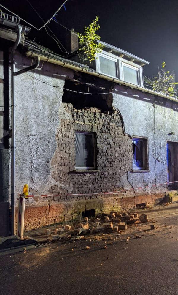 Das Haus in Helmbach (Foto: Polizei RLP)