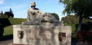 Denkmal (Foto: Katherine Quinlan-Flatter)