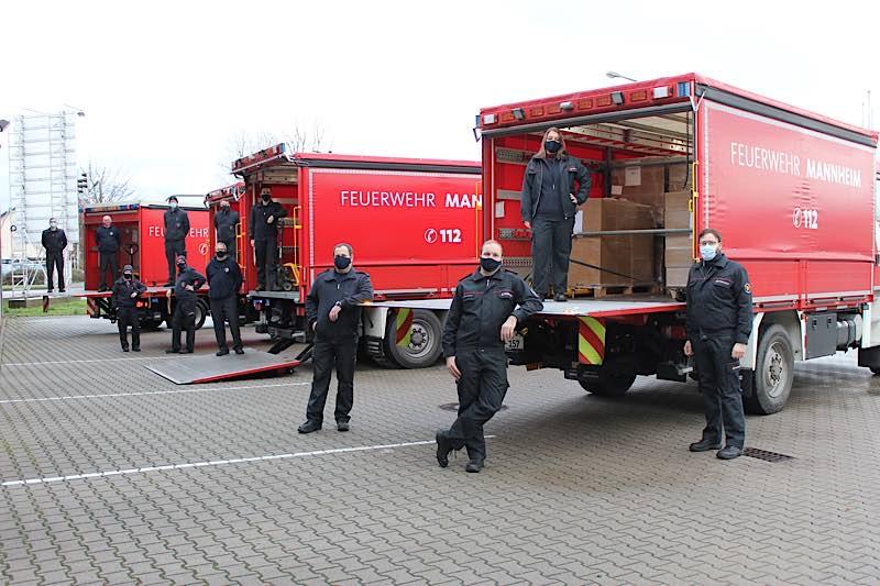 Insgesamt 32 Paletten mit Atemschutzmasken wurden am Montagvormittag an die Pflegeeinrichtungen verteilt (Foto: Stadt Mannheim)