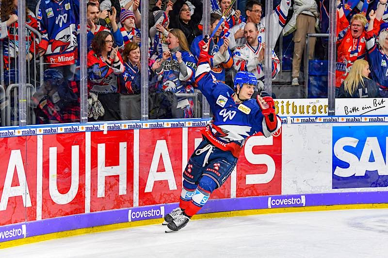 Tim Stützle (Foto: AS Sportfoto / Sörli Binder)