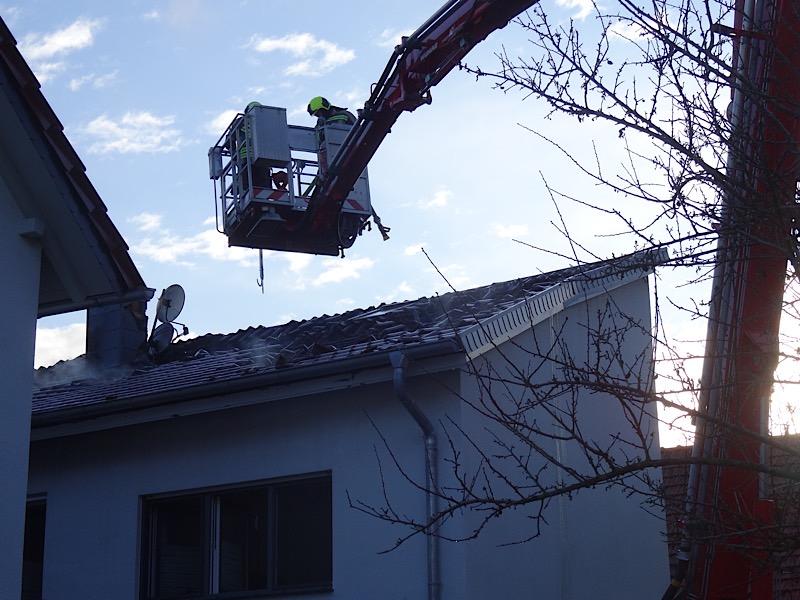 Nachlöscharbeiten (Foto: Feuerwehr VG Freinsheim)