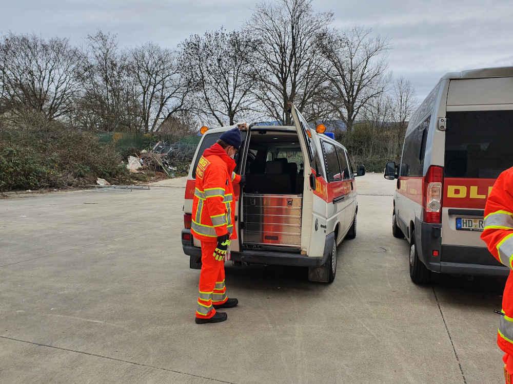 Mobiles Impfteam beim Verladen am ZIZ (Foto: Landratsamt Rhein-Neckar-Kreis/GRN)