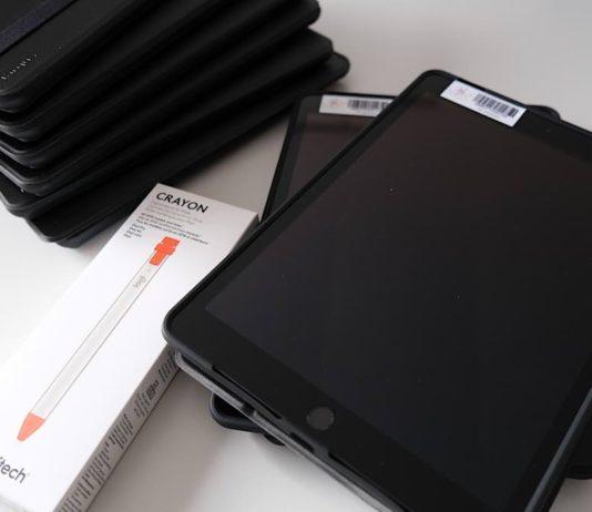 Die iPads aus dem Sofortausstattungsprogramm des Bundes stehen für Schülerinnen und Schüler, die Schulen in Trägerschaft des Landkreises SÜW besuchen, zur Verfügung. (Foto: Kreisverwaltung Südliche Weinstraße)