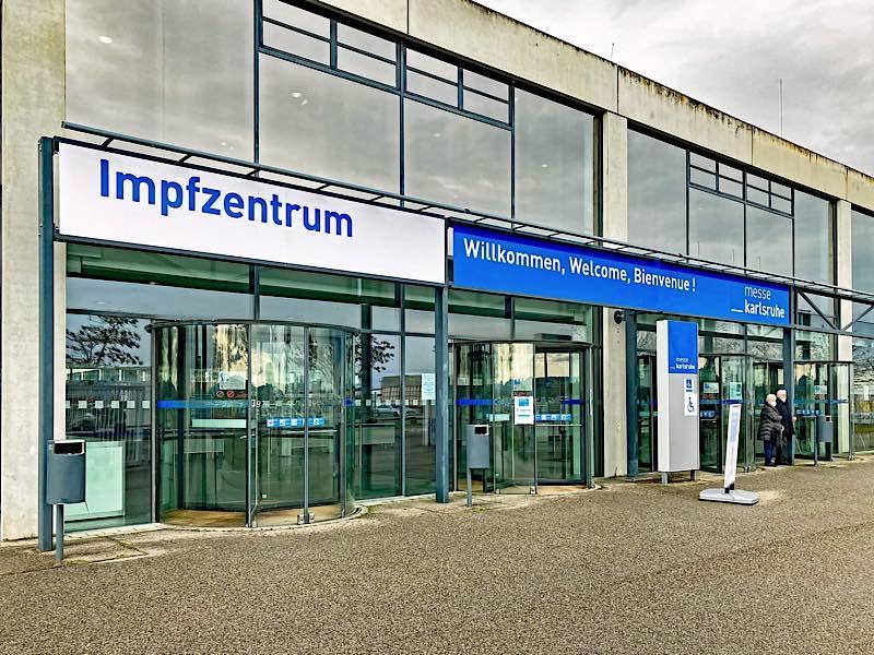Das Zentrale Impfzentrum in der Messehalle 2 (Foto: Klaus Eppele)