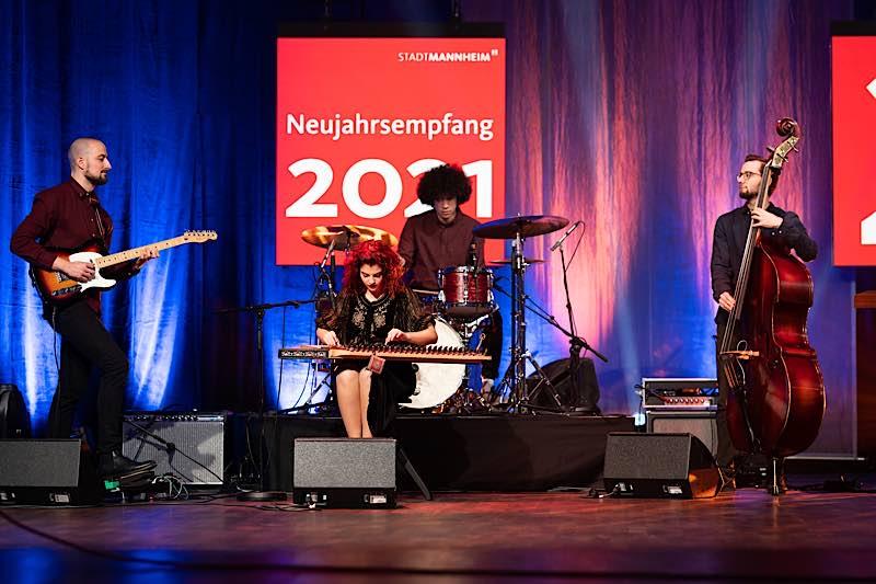 Die Gruppe EPI beim Neujahrsempfang (Foto: Stadt Mannheim/Andreas Henn)