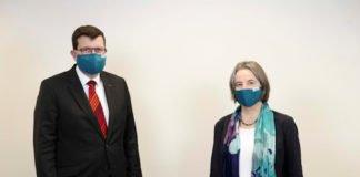 v.r.: Prof. Dr. Gabriele E. Schaumann und Prof. Dr. Stefan Wehner (Foto: Universität Koblenz-Landau)