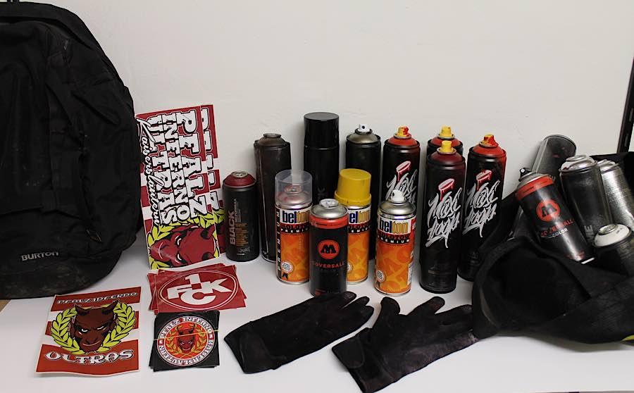 Sichergestellte Farbdosen (Foto: Polizei RLP)