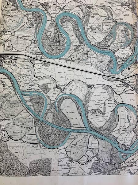 Darstellung des Ketscher Rheindurchschnitts mit Verlauf des Rheins davor u. da-nach (Max Honsell: Die Korrektion des Oberrheines …, Karlsruhe 1885, Auszug aus dem Kartenband)