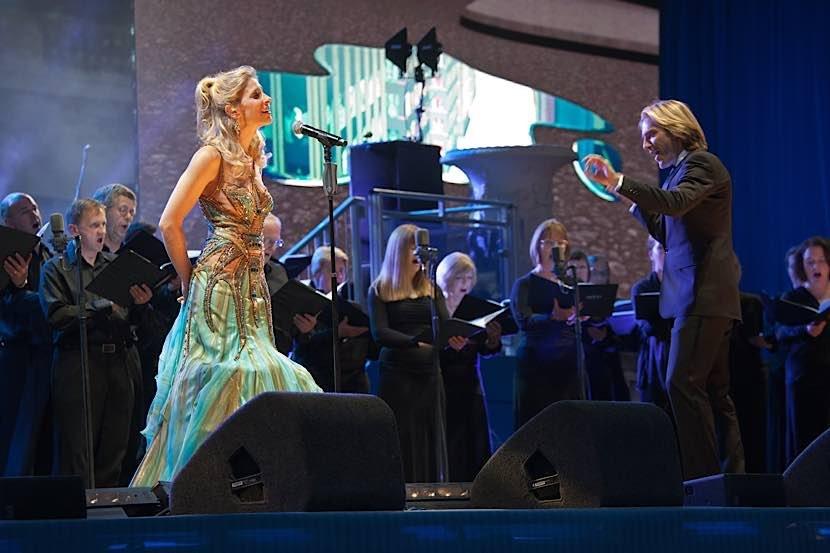 Er gilt als Wegbereiter für die virtuellen Chöre: Eric Whitacre. Populär wurde er 2009 mit dem ersten virtuellen Chor 'Lux aurumque'. (Foto: CV RLP / Pixabay / Ron porter)