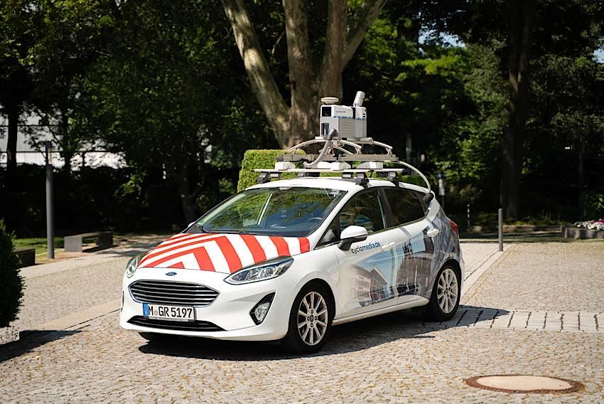 Mit diesen Fahrzeugen finden ab Anfang Mai Kamera-Fahrten in Karlsruhe statt. (Foto: Cyclomedia)