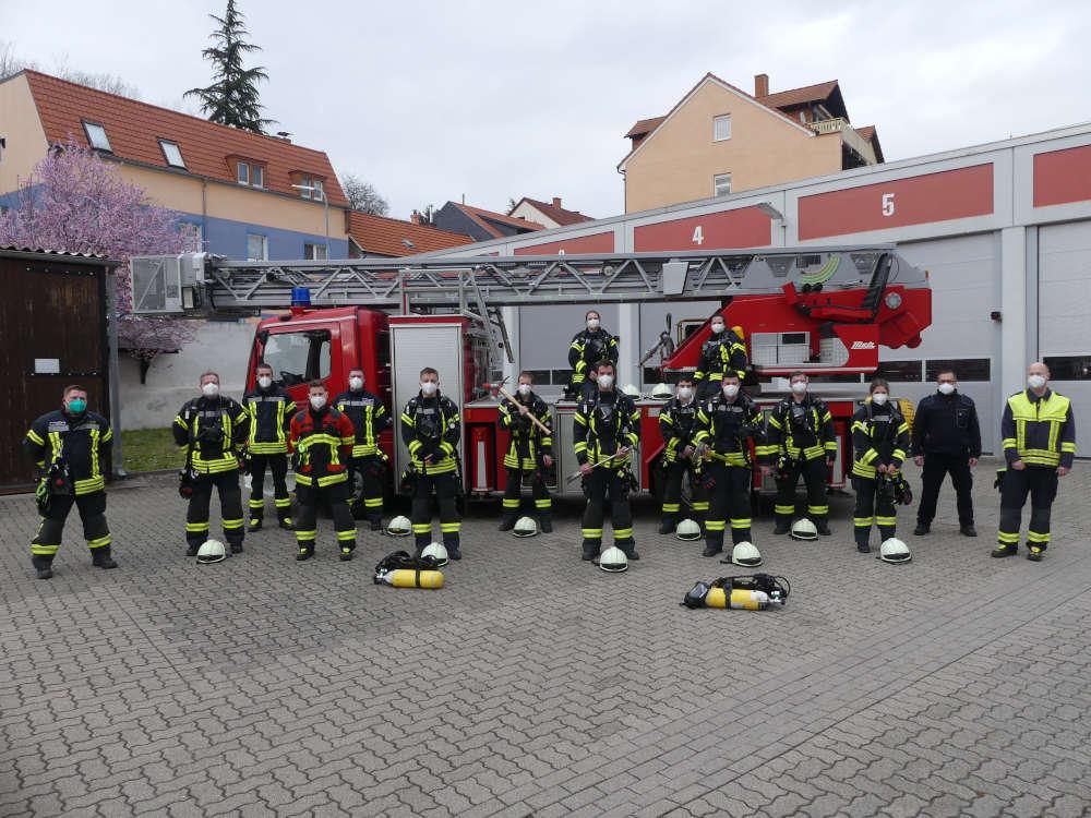 Die Teilnehmer des Atemschutzgeräteträger-Lehrgangs (Foto: Feuerwehr Neustadt)