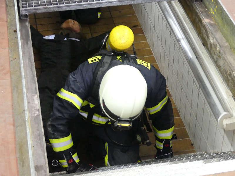 Ein Teilnehmer des Atemschutzlehrgangs (Foto: Feuerwehr Neustadt)