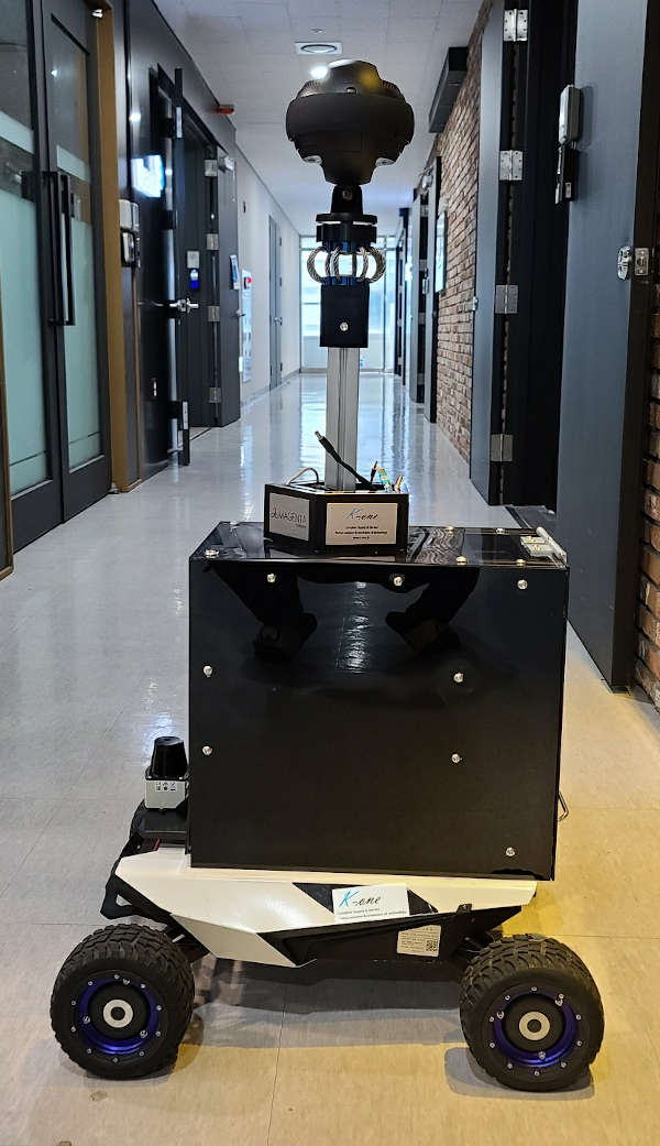 "5G-VR-Auto-Roboter ""I-DeaR"" (Quelle: Staatsphilharmonie)"