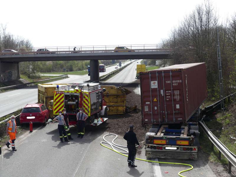 Unfallstelle (Foto: Feuerwehr Neustadt)