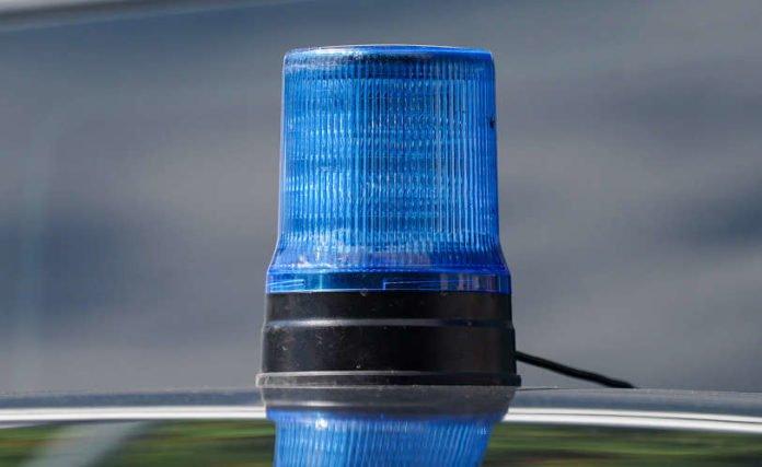 Symbolbild Blaulicht Polizei Kriminalpolizei Zivilfahrzeug (Foto: Holger Knecht)