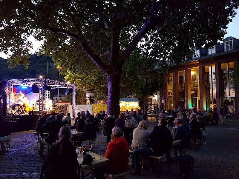 Eröffnung der Sommerbühne im Juli 2020 (Foto: Karlstorbahnhof)