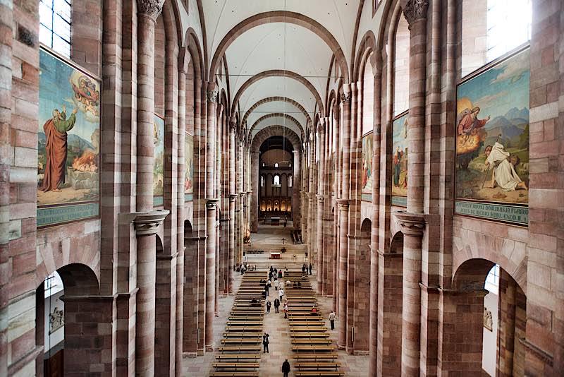 Blick in den Dom von der Sängerempore (Quelle: Domkapitel Speyer, Foto: Klaus Landry)