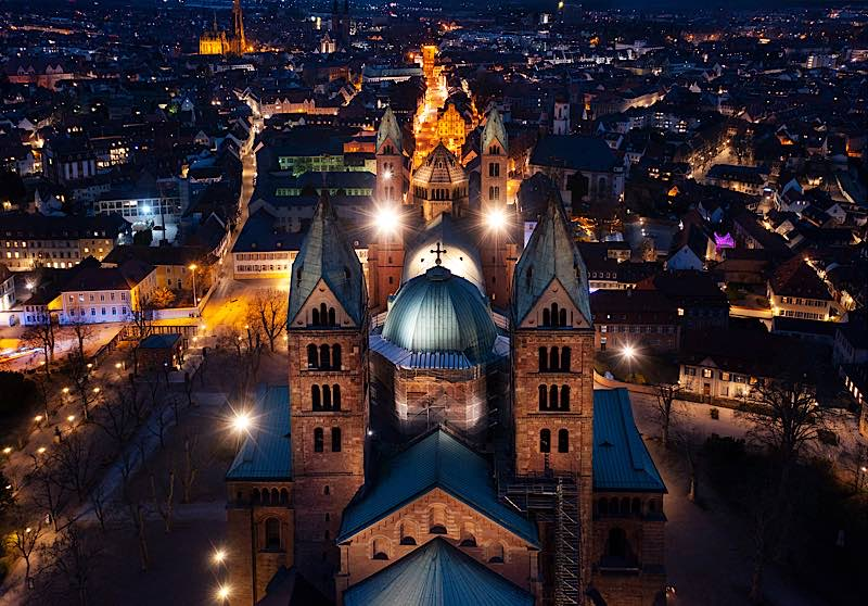 Dom bei Nacht (Quelle: Domkapitel Speyer, Foto: Klaus Landry)