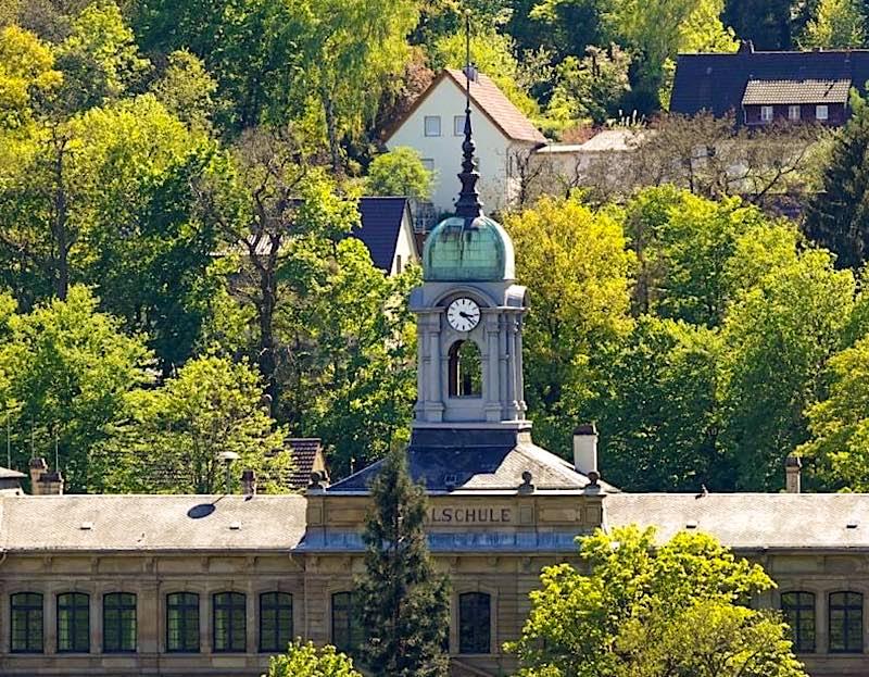 Symbolbild Leibniz-Gymnasium Neustadt an der Weinstraße (Foto: Holger Knecht)