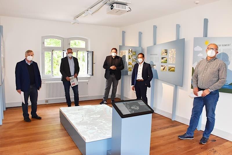 Eröffnung der Ausstellung (Foto: Verbandsgemeinde Rülzheim)