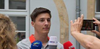 Großes Medieninteresse am Landauer Ausnahme-Athleten: Oleg Zernikel im Interview. (Quelle: Stadt Landau)