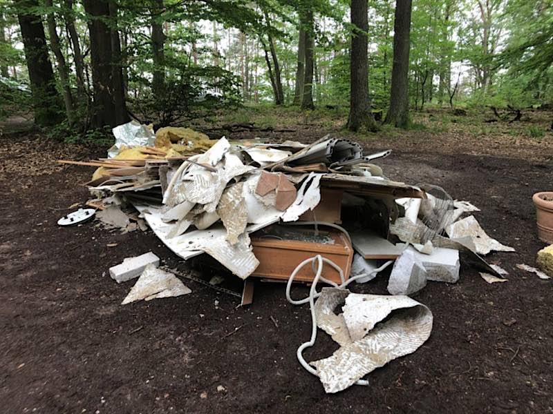 Illegale Müllentsorgung (Foto: Polizei RLP)