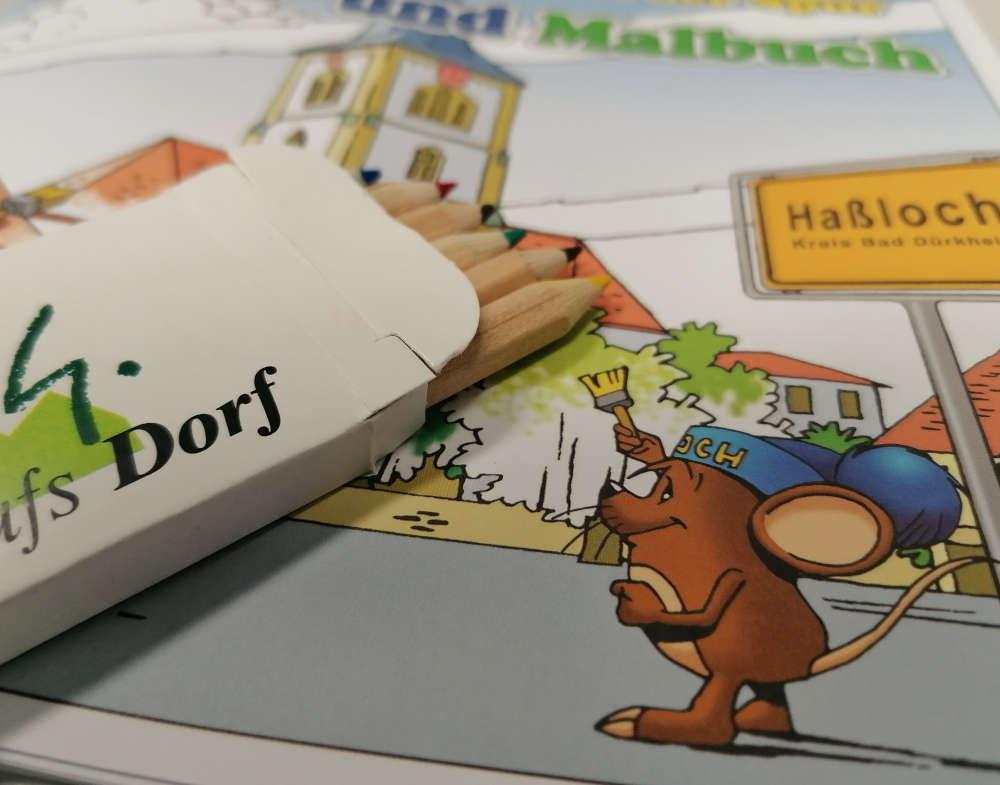 In der Haßlocher Tourist-Information ist ab sofort ein Rätsel- und Malbuch mit den Haßlocher Haselmäusen Hasa & Laha erhältlich. (Foto: Gemeindeverwaltung Haßloch)