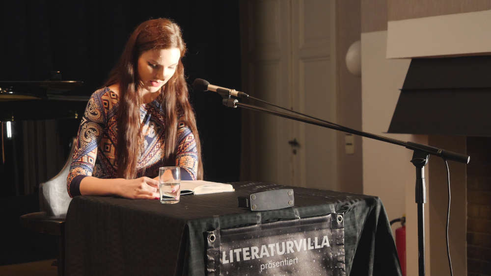 Die Preisträgerin der Förderpreises der Literaturvilla von 2018 Daniela Waßmer aus Karlsruhe (Foto: Anton Dück)