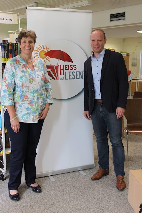 Regierungspräsidentin Felder und Bürgermeister Geider eröffnen die Aktion HEISS AUF LESEN© (Foto: Heß/RP Karlsruhe)