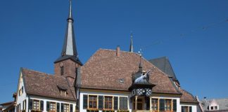 Symbolbild Rathaus Deidesheim (Foto: PIxabay)