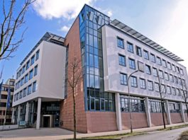 Das Institutsgebäude in L 7,1 in 68161 Mannheim aus verschiedenen Perspektiven (Foto: ZEW)