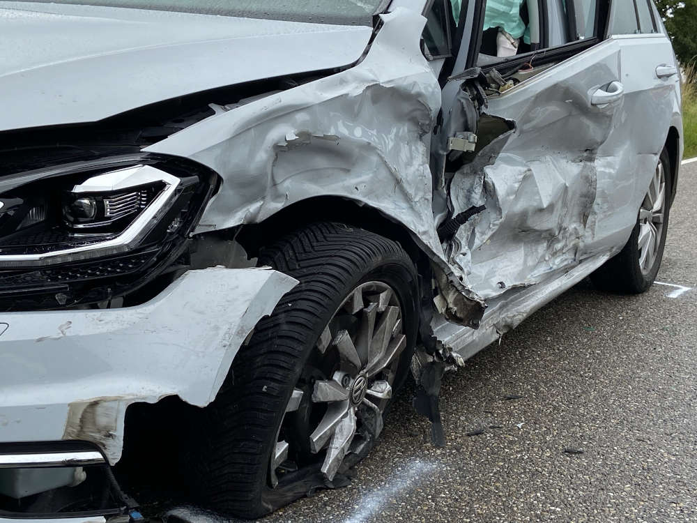 Unfallverursachendes Fahrzeug (Foto: Polizei RLP)