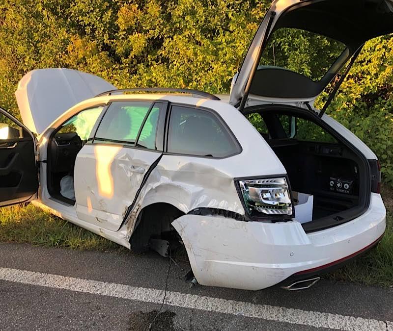 Verunfallter PKW Skoda (Foto: Polizei RLP)