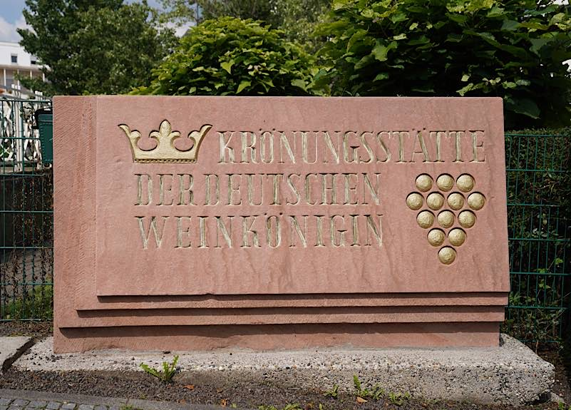 Neustadt an der Weinstraße ist Krönungsstätte der Deutschen Weinkönigin