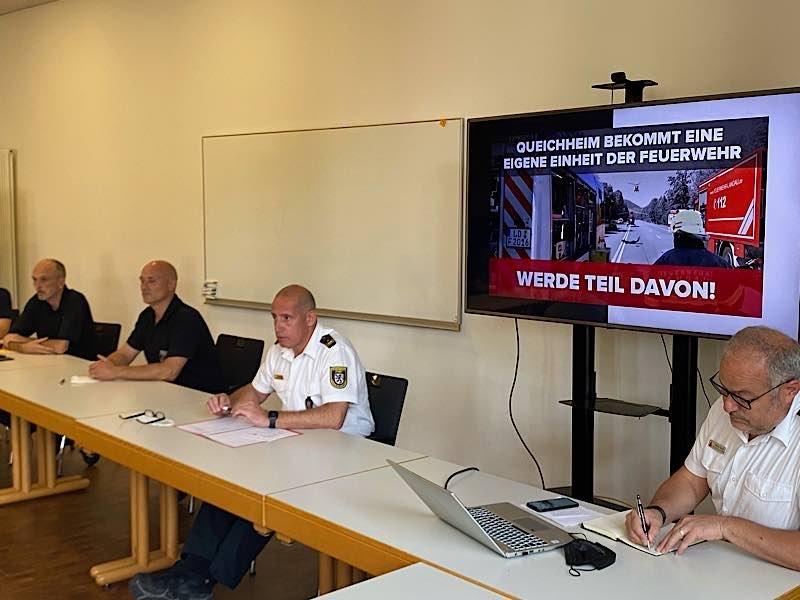 Brand- und Katastrophenschutzinspekteur Dirk Hargesheimer stellte die Struktur und das Einsatzgebiet der Freiwilligen Feuerwehr Landau vor (Foto: Feuerwehr Landau)